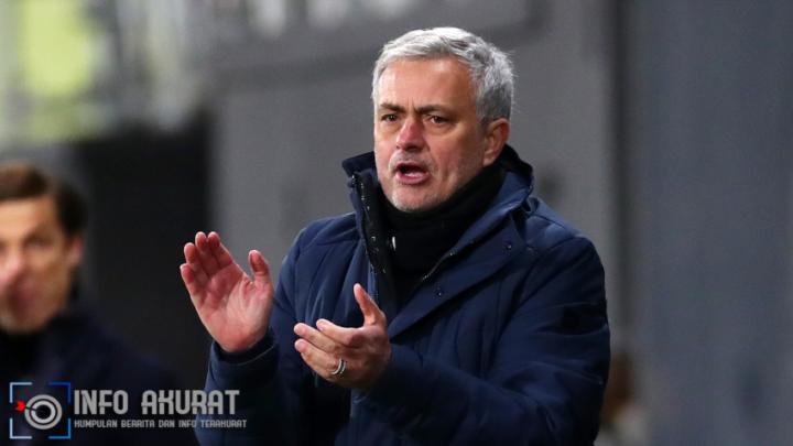 Mourinho menyerukan semangat Tottenham setelah kekalahan 'salah satu yang paling sulit'