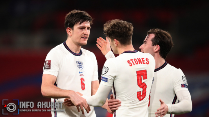 Maguire defends Stones after bailing out centre-back partner's error
