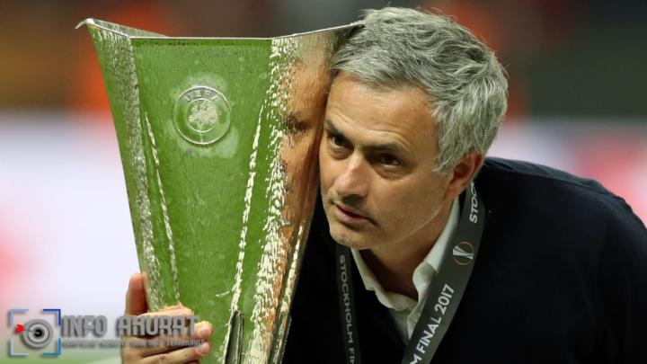 Mourinho mengatakan 'bos besar' Ferguson akan menyanggah teori piala Solskjaer